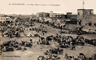 15cartepostale-marrakech-placejemaaelfna2